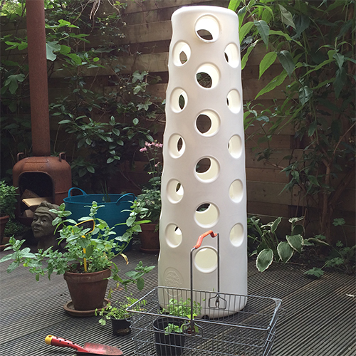 vertical-garden-tube-onbeplant